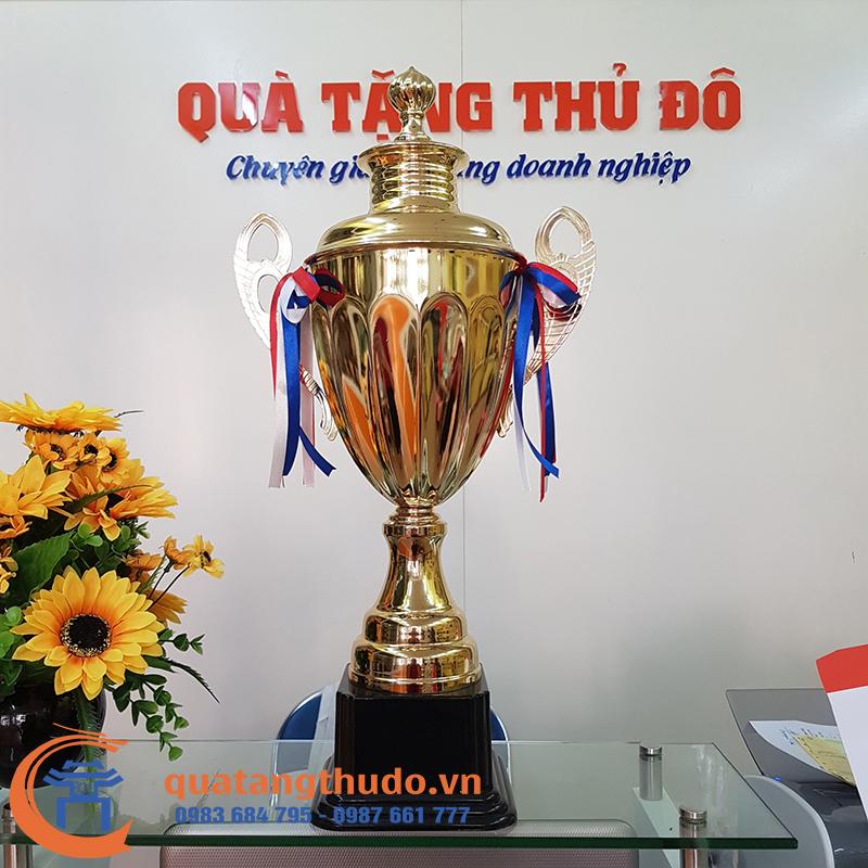 Cúp Đồng trao Giải